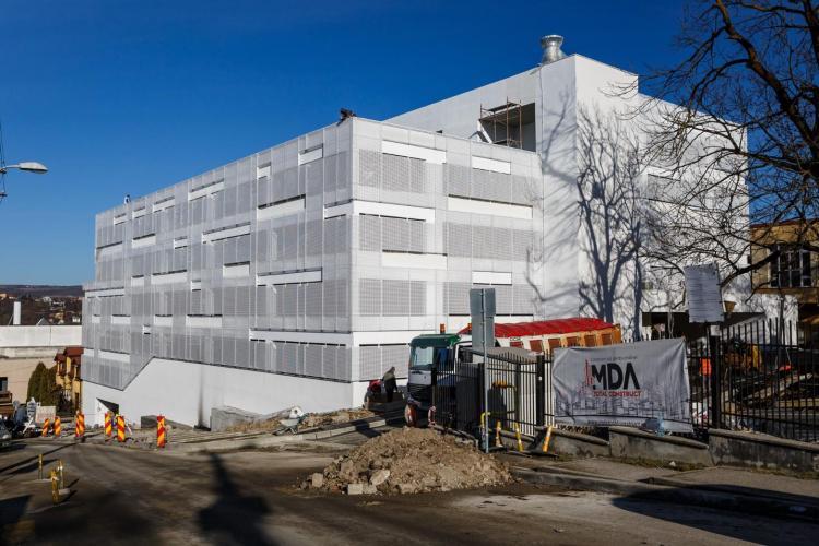 Un nou parking va fi finalizat, la Cluj-Napoca, săprămâna următoare. De câte locuri de parcare dispune FOTO