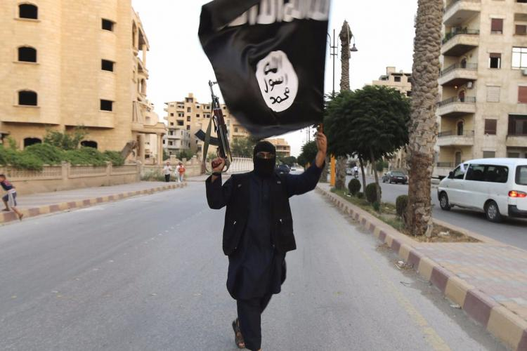 Clujeanca sedusă de un luptător ISIS, cu care s-a căsătorit și pe care l-a urmat orbește. Ce a urmat e incredibil