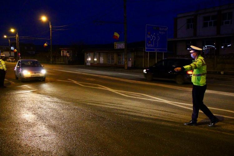 CLUJ-NAPOCA: Zeci de clujeni amendați într-o singură seară pentru că au ieșit din casă după ora 23:00