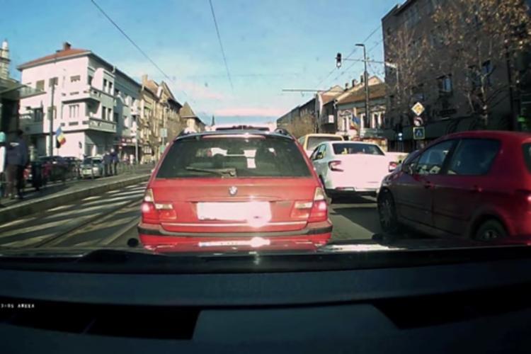 Pieton lovit de un taximetrist pe strada Horea! A fost transportat de urgență la spital FOTO/VIDEO