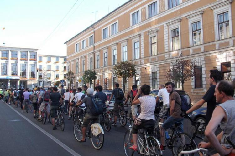 Clujenii vor plăti abonamente de parcare și pentru biciclete