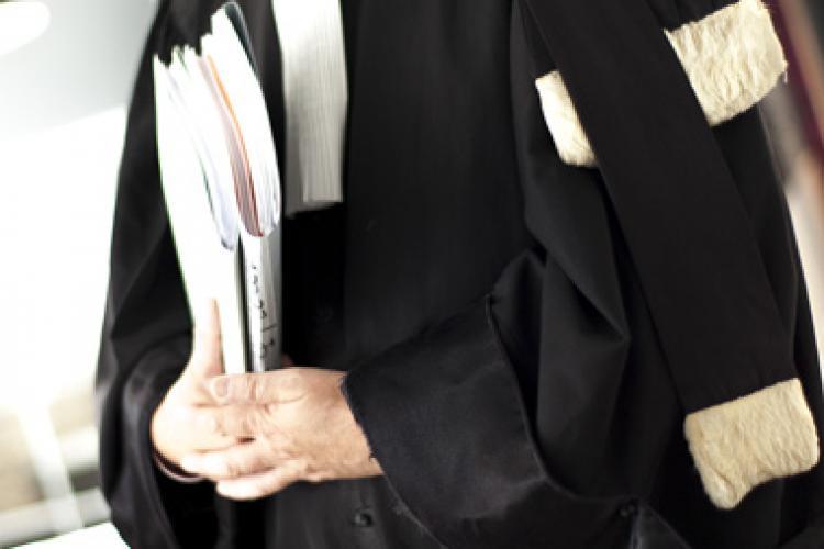 Avocații stagiari cer anularea întrebărilor fără nicio variantă corectă de răspuns de la examenul INPPA