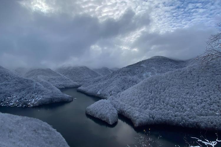 Imagini senzaționale cu peisajul de la Piatra lui Lucaci - Tarnița - FOTO