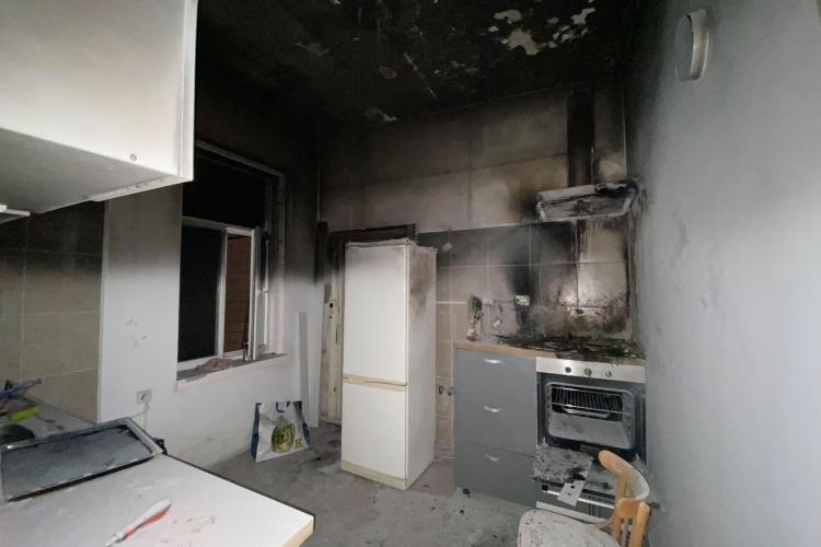 Un clujean a ajuns la spital cu arsuri, după ce a uitat o oală pe foc. A fost nevoie de intervenția pompierilor
