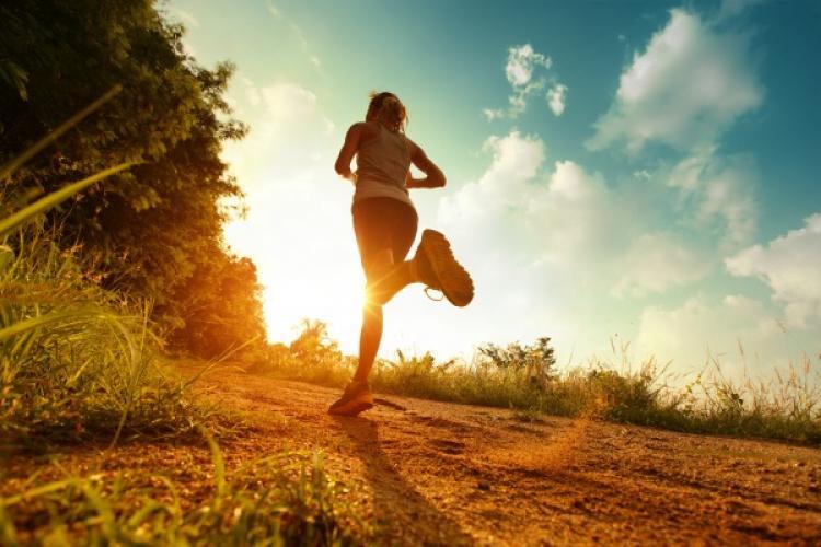 Un studiu arată că cei care fac sport prezintă risc mai mic de spitalizare în caz de COVID