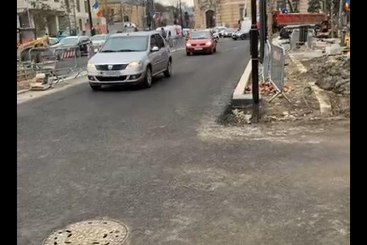 Boc în control la șantierul din Piața Lucian Blaga: Când ajunge cuțitul la os se lucrează mai repede