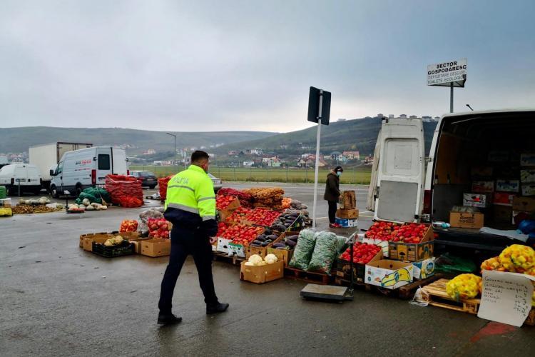 Controale în piața din Dezmir. Câte amenzi s-au dat FOTO