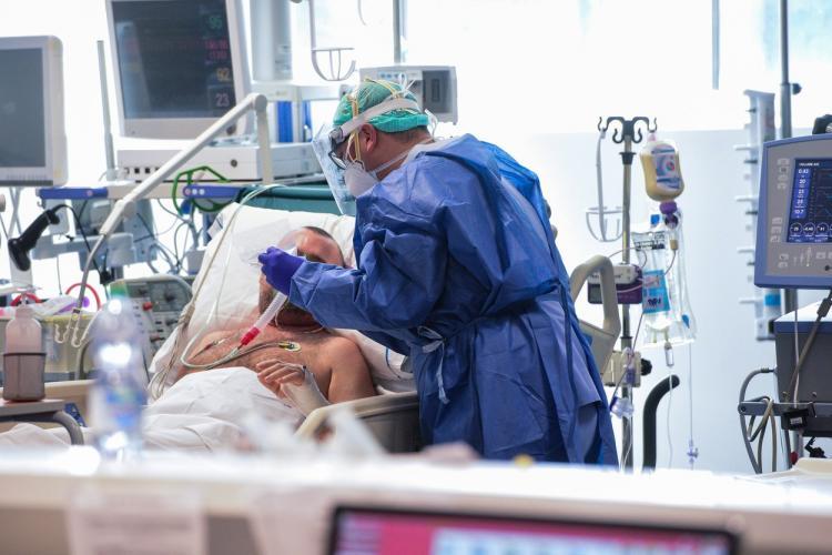 Clujul crește capacitatea de luptă cu pandemia COVID-19. Vom ajunge la 100 de paturi ATI pentru cazurile grave