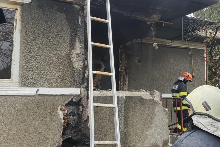 UPDATE Clujean găsit mort în propria locuință, în timpul unui incendiu! Pompierii nu au mai putut să îl resusciteze FOTO/VIDEO