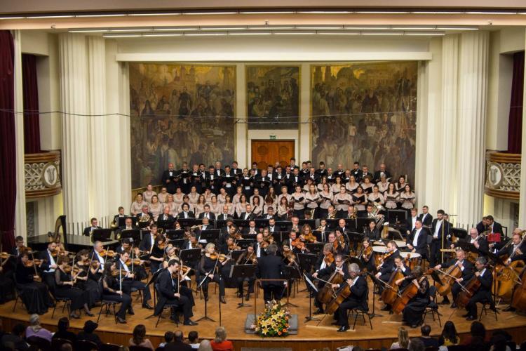 Directorul interimar al Filarmonicii de Stat Transilvania și-a dat demisia, pentru că nu își poate sancționa colegii
