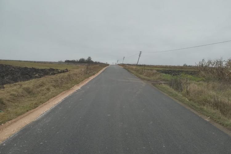 Rută alternativă pentru Cheile Turzii, prin Tureni. Drumul tocmai a fost asfaltat