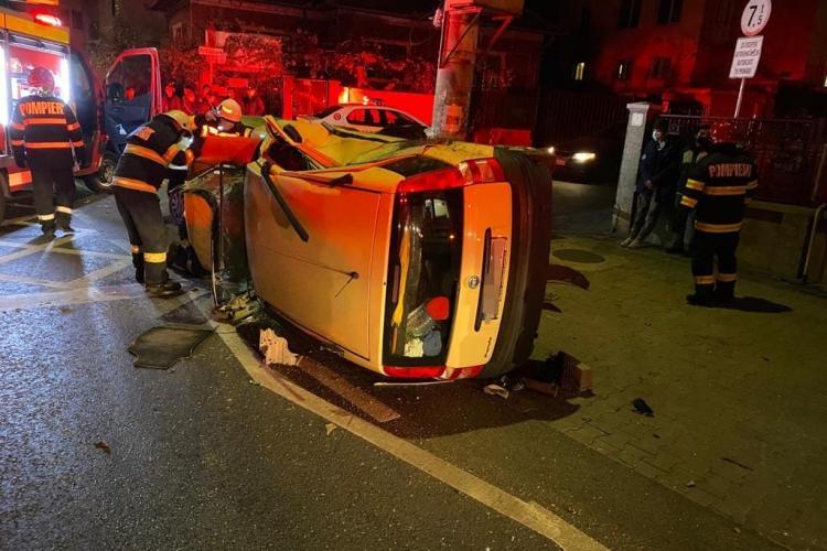 Accident în Baciu, duminică seara, cu doi răniți - FOTO