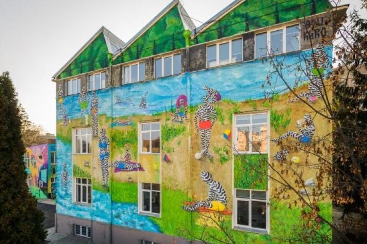 A apărut prima pictură murală din Cluj care purifică aerul FOTO