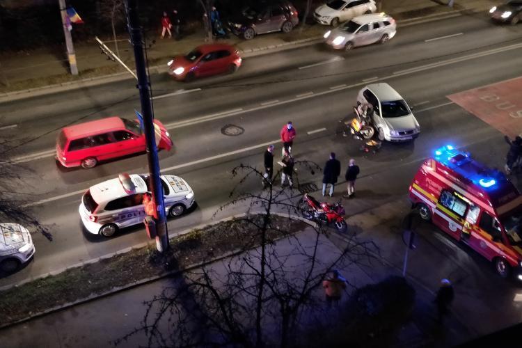 Accident între o mașină și o motocicletă în Gheorgheni FOTO