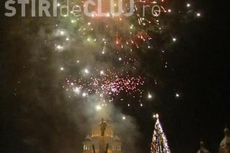 Focuri de artificii in Piata Avram Iancu din Cluj in 24 ianuarie, de Ziua Unirii Principatelor