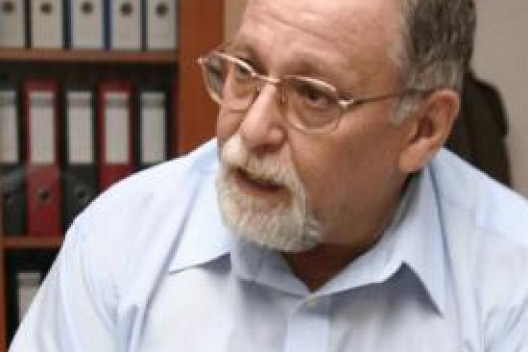 Profesorul Michael Shafir, de la UBB Cluj, returneaza medalia primita de la Traian Basescu! VEZI de ce!