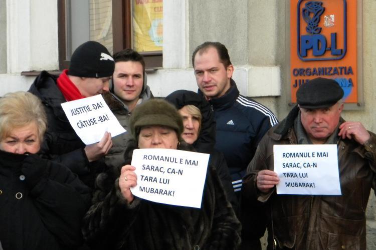 Protestul organizat de PSD Cluj in fata sediului  PDL in imagini - Galerie FOTO