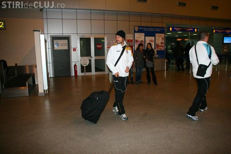 CFR a zburat spre Antalya in acelasi avion cu Steaua, Pandurii si Gloria. Decolarea a intarziat pentru ca erau prea multi clujeni!