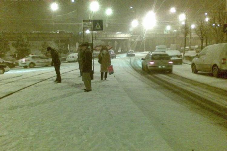 Imagini de la cititori! Vezi cat de inzapezit a fost Clujul joi dimineata! Galerie FOTO