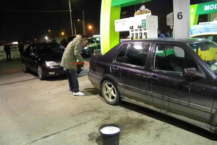 Ministerul Finantelor recunoaste ca pretul carburantilor a crescut nejustificat in ultimul an!