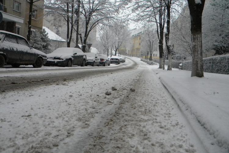 Deszapezire cu program scurt in Cluj Napoca! Firmele Rosal si Brantner aproape au uitat ca a nins! Care e situatia pe strada voastra?