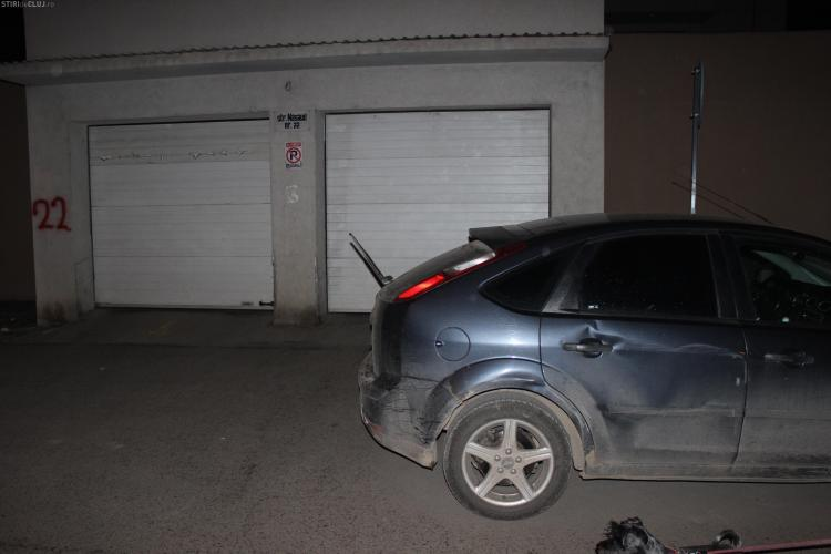 """Mesaj amuzant lăsat unui șofer pe mașină, după o parcare nesimțită: """"Completează…"""""""