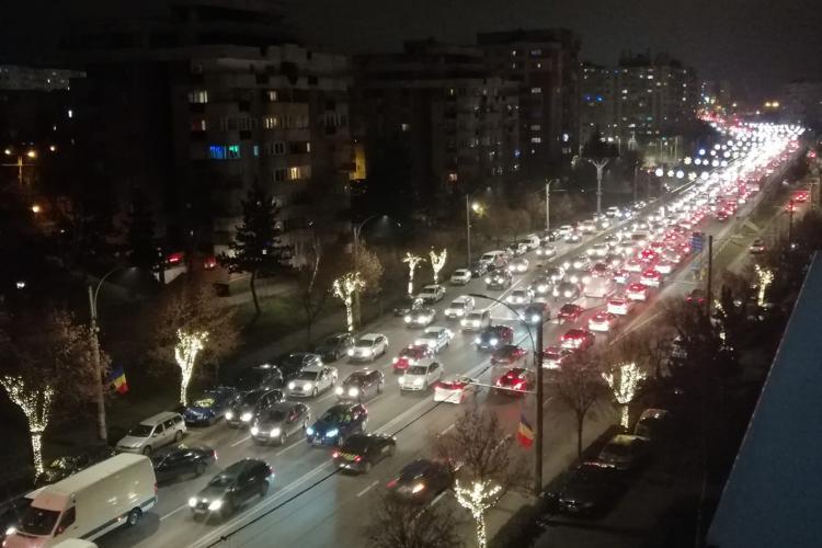 Haos pe Calea Florești. Trafic ca în Dubai la Cluj-Napoca: Măcar avem iluminat de sărbători - FOTO
