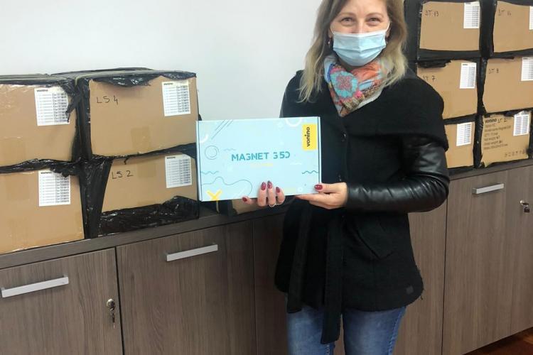 Se distribuie tabletele elevilor din Florești