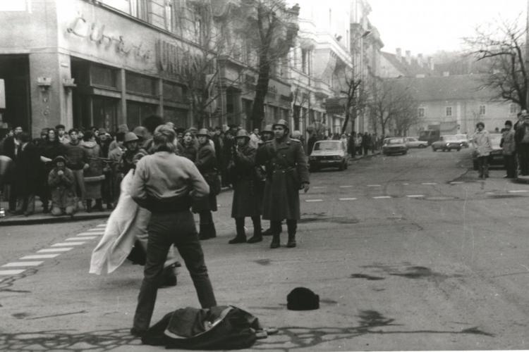 Premierul Nicolae Ciucă și-a cerut iertare de la familiile celor uciși la Revoluție de militari