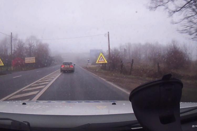 BMW-ist IDIOT pe Calea Turzii! Așa se produc accidentele, când drumurile sunt libere - VIDEO