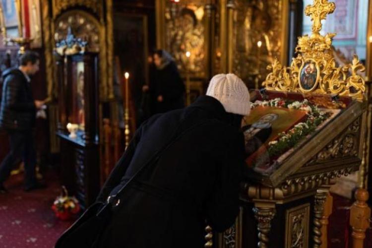 Barometru: Biserica, Armata și Academia sunt primele în încrederea românilor