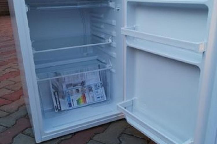 Un clujean cere autorizație pentru a descărca un frigider cumpărat de la un magazin online. Suntem sănătoși la cap?