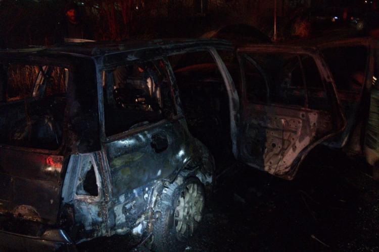 Mașină făcută SCRUM pe strada, în cartierul Zorilor FOTI