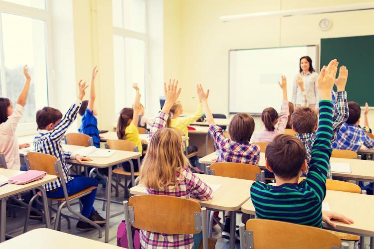 Șeful programului de vaccinare a estimat cand ar putea reveni elevii la școală