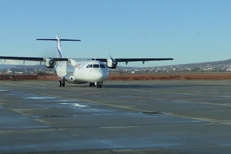 Vaccinul a ajuns la Cluj, cu avionul! Sunt 12.500 de cadre medicale care s-au înscris pentru vaccin - VIDEO