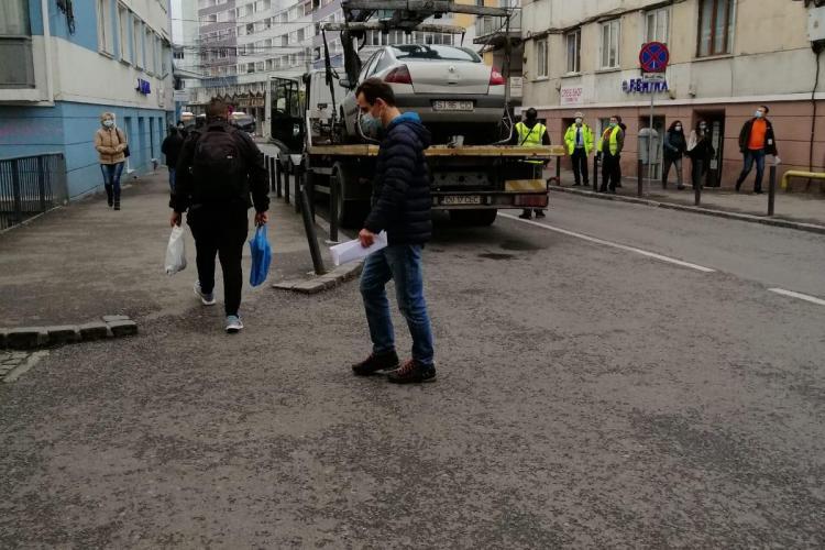 Poliția Locală Cluj-Napoca primește puteri suplimentare pentru a ridica mașinile parcate ilegal