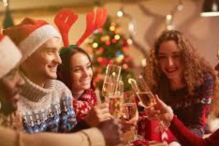 SONDAJ: Cum își vor petrece românii Crăciunul în plină pandemie