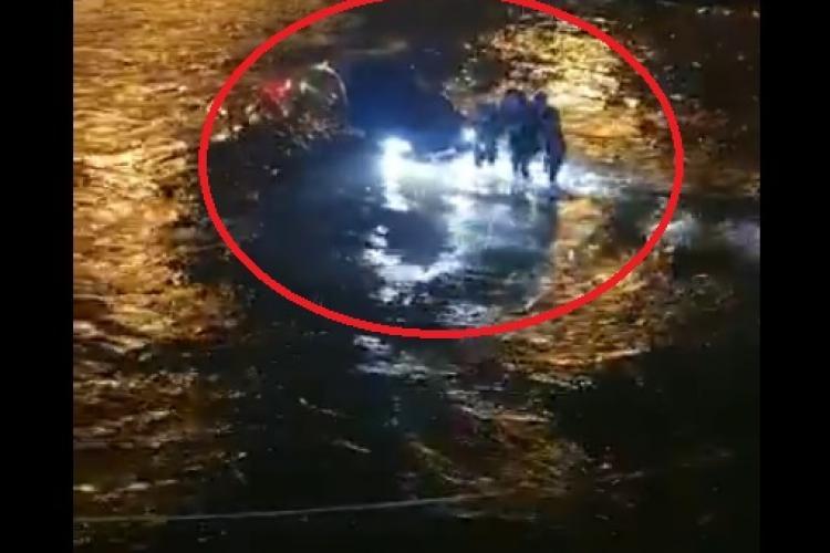 """S-a aflat ce făcea la volan șoferul care a plonjat în Someș, vineri seara: Toți """"bombardierii"""" fac asta - FOTO"""