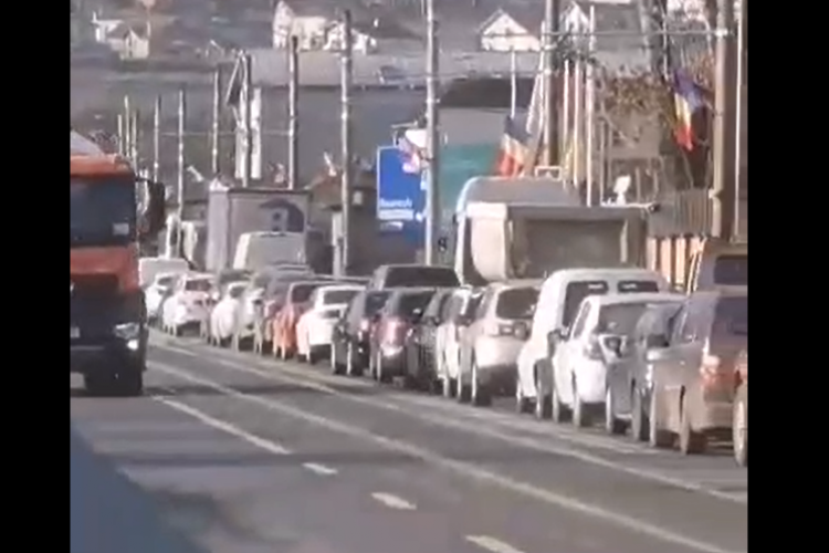 Bulevardul Muncii blocat de șoferi: Magia sărbătorilor face ravagii la Cluj - VIDEO