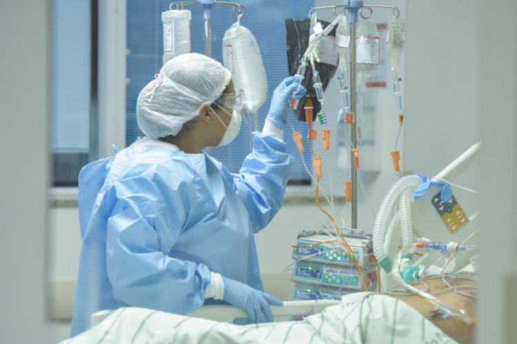 Neglijență la un spital clujean! Patru pacienți îmbolnăviți dintr-un foc cu COVID-19