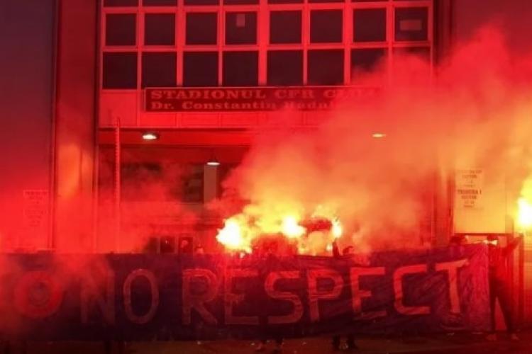 Protest în Gruia organizat de fanii CFR Cluj, înainte de meciul cu FCSB - FOTO