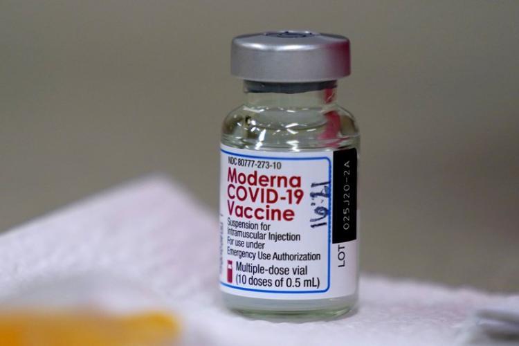 Primele transporturi de vaccin anti-Covid de la Moderna urmează să vină în România