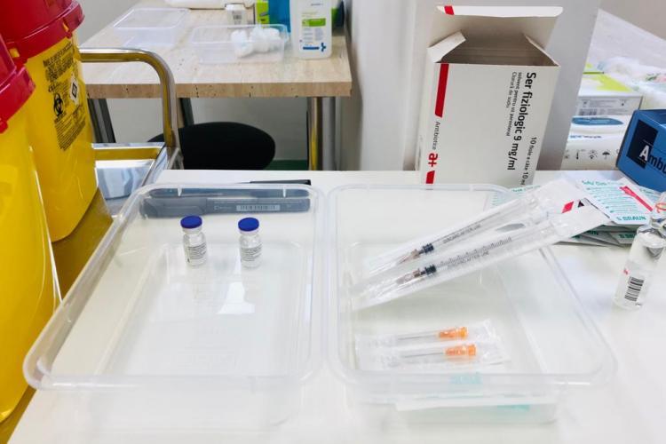 190.000 de români s-au programat pe platforma de vaccinare