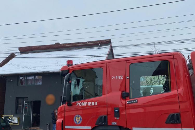 Un local de pe strada Teleorman era să ardă din cauza unui aparat de gătit - FOTO