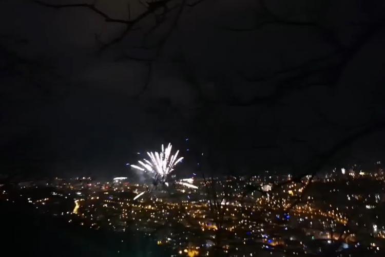 Artificiile din Cluj-Napoca văzute de pe Cetățuie! Clujenii s-au revoltat și au facut-o lată - VIDEO