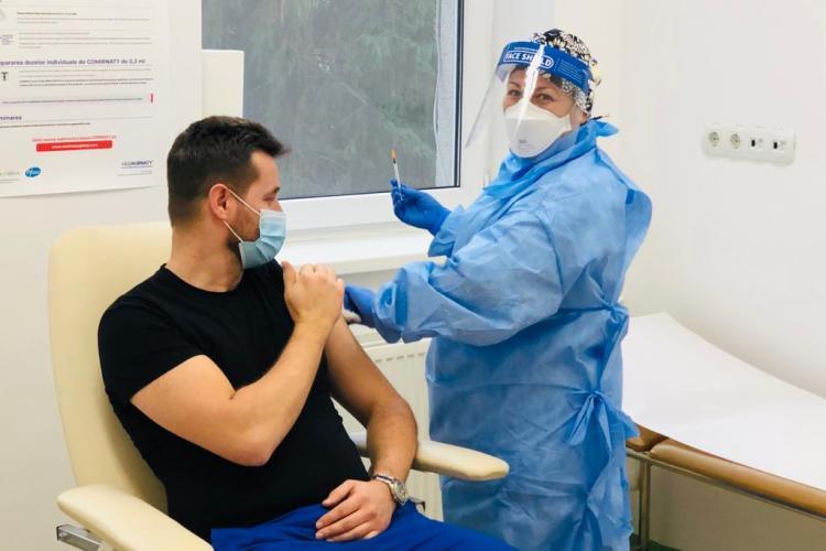 Boc: Medicii din centrele de vaccinare vor câștiga 100 de lei pe oră. Dacă nu avem bani pentru sănătate, pentru ce să avem!