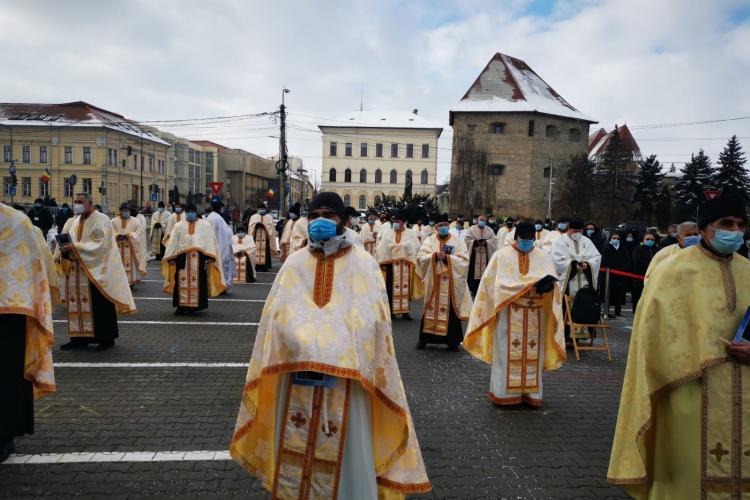 VIDEO de la Slujba de Înmormântare a Episcopului Florentin Crihălmeanu