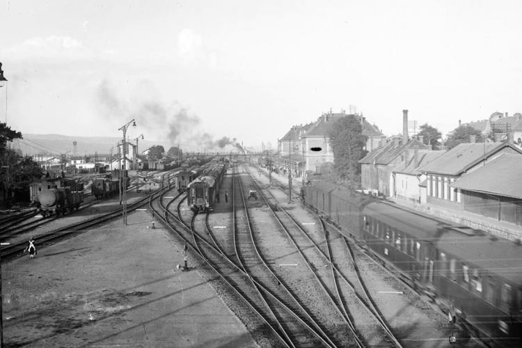 Gara Cluj din 1870 și până azi în imagini. A fost distrusă în 1944, în al Doilea Război Mondial - VIDEO