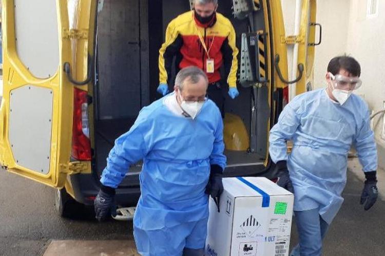 Asociația Municipiilor din România, condusă de Emil Boc, îl atacă pe ministrul Sănătății pe tema finanțării centrelor de vaccinare COVID-19