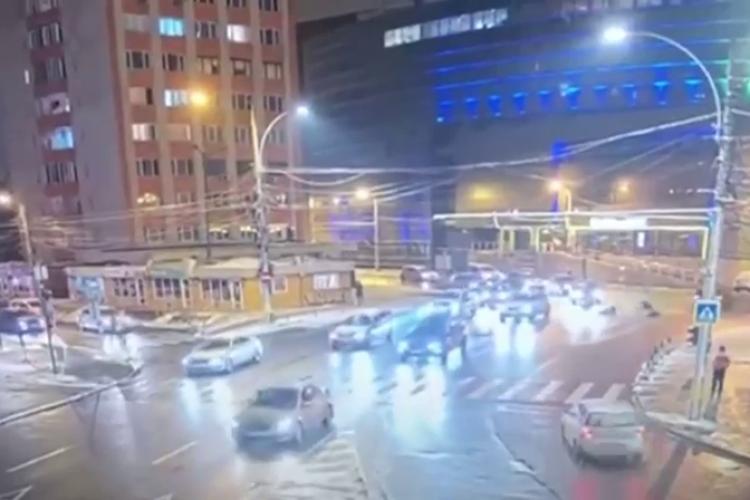 Cine e fata răpită la Cluj! Momentul când a sărit din BMW -ul care mergea cu viteză - VIDEO